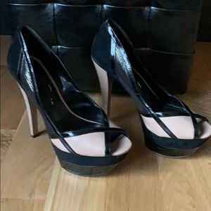 Size 8 Jessica Simpson high heel shoes